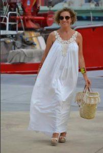 Фасоны сарафанов для женщин за 50 белый
