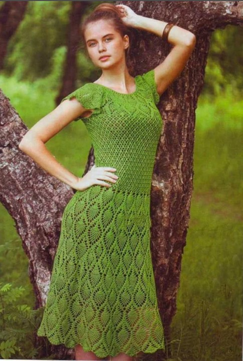 Летнее платье крючком зеленое