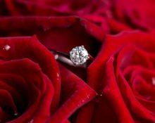 кольцо в розах