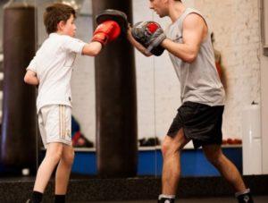 бокс с ребенком