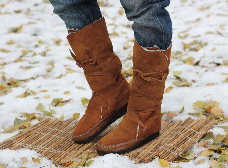 Зимние сапоги-мокасины в этно стиле
