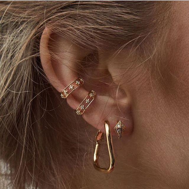 болят уши от серёжек золотых