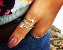 Кто носит кольцо на большом пальце