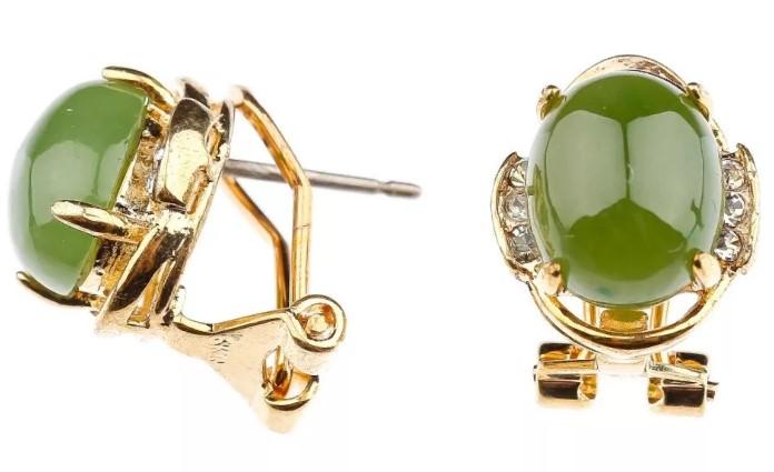 камни серьги с зеленым нефритом