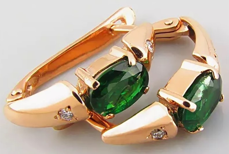 камни серьги с зелеными цаворитами