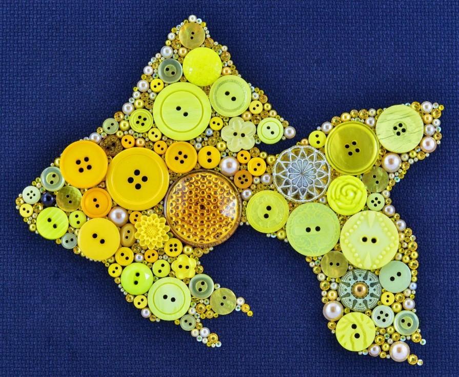 картины из пуговиц рыбка 2