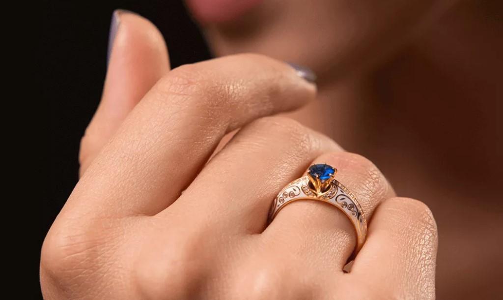 кольцо для помолвки с сапфиром