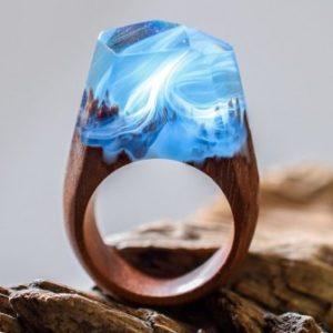 кольцо с эпоксидной смолой