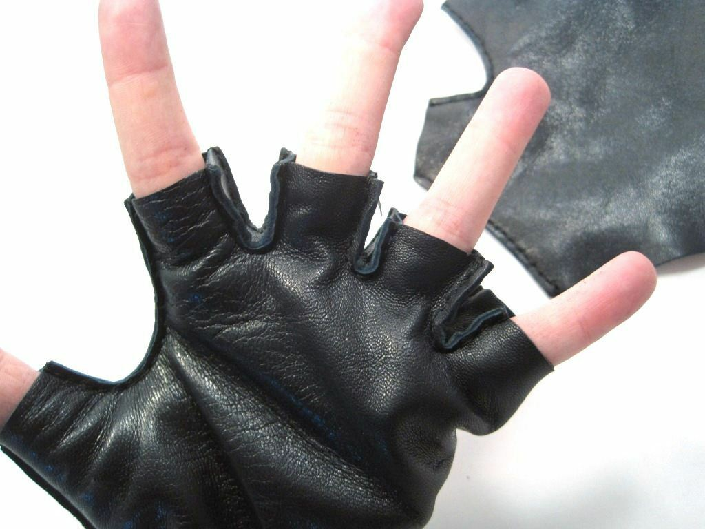 перчатки без пальцев митенки примерка на руке