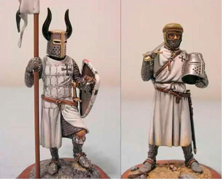 пряжки рыцари с ремнями