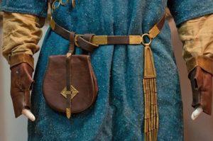пряжки средневековые поясные сумки и пояса
