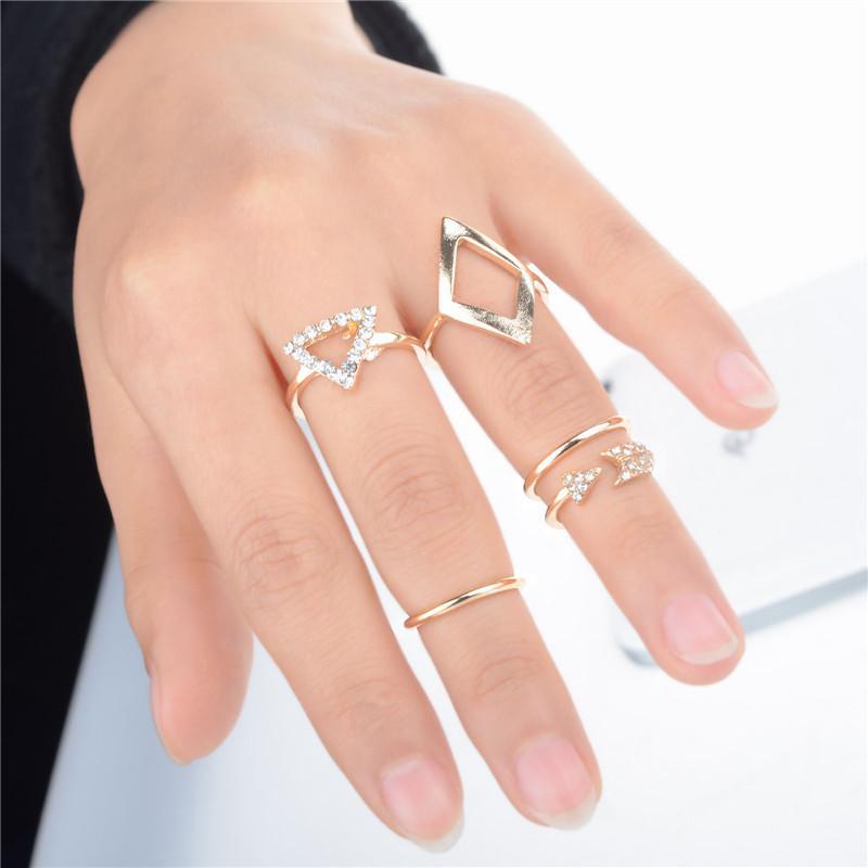 кольцо на верхнюю фалангу