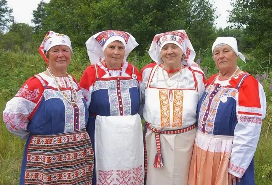 свадебные костюмы вожане водь