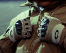 перчатки с кастетом
