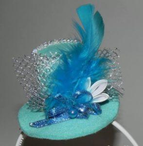 заколка шляпка голубая