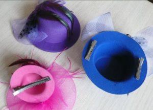 заколка шляпка разного цвета