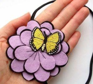 заколка цветок из фетра 2