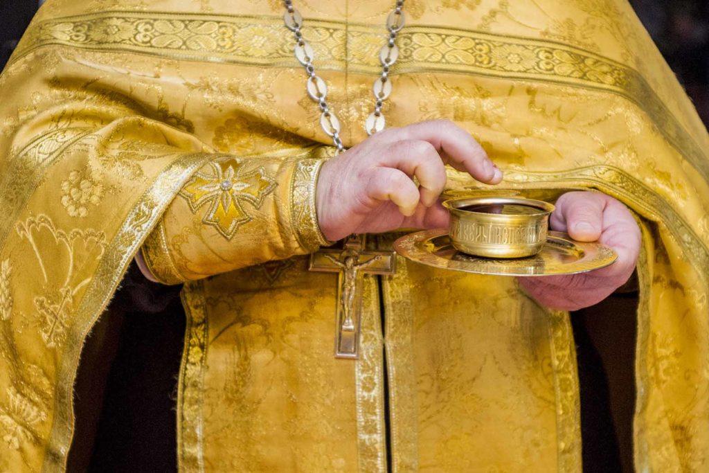 Почему священники не носят обручальных колец