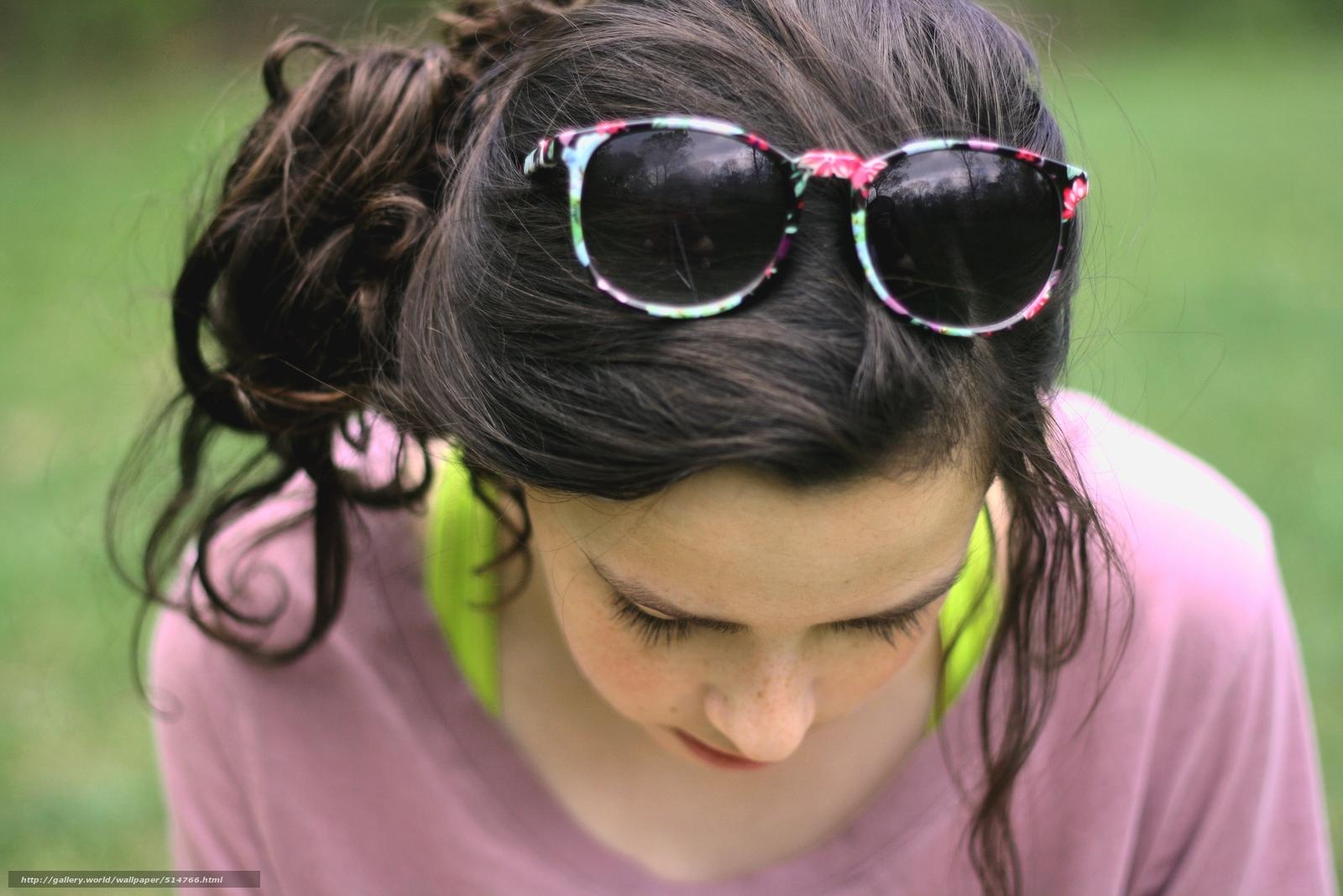 Почему очки нельзя носить на голове