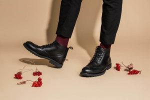 почему скрипит обувь при ходьбе