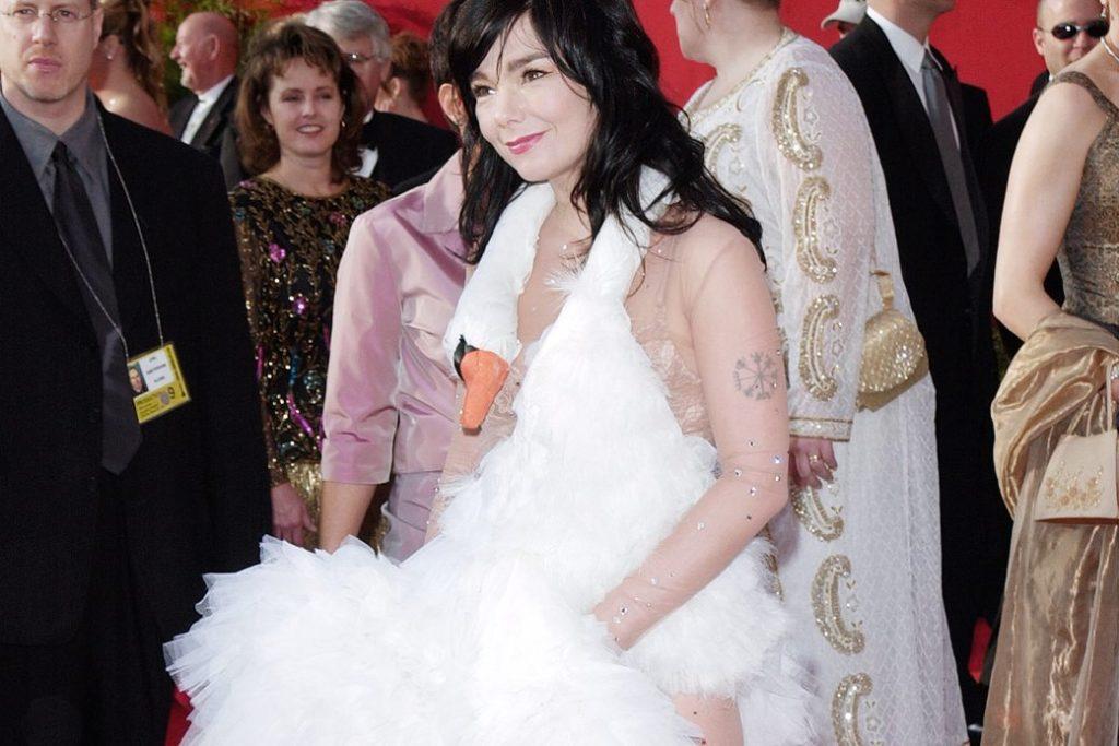 ТОП-5 платьев, которые потрясли мир моды