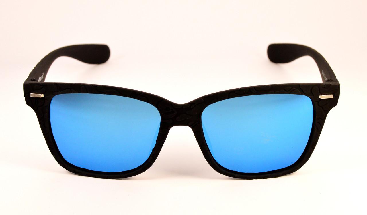Голубые очки от солнца