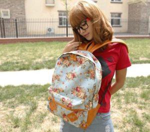 зачем рюкзак носят спереди