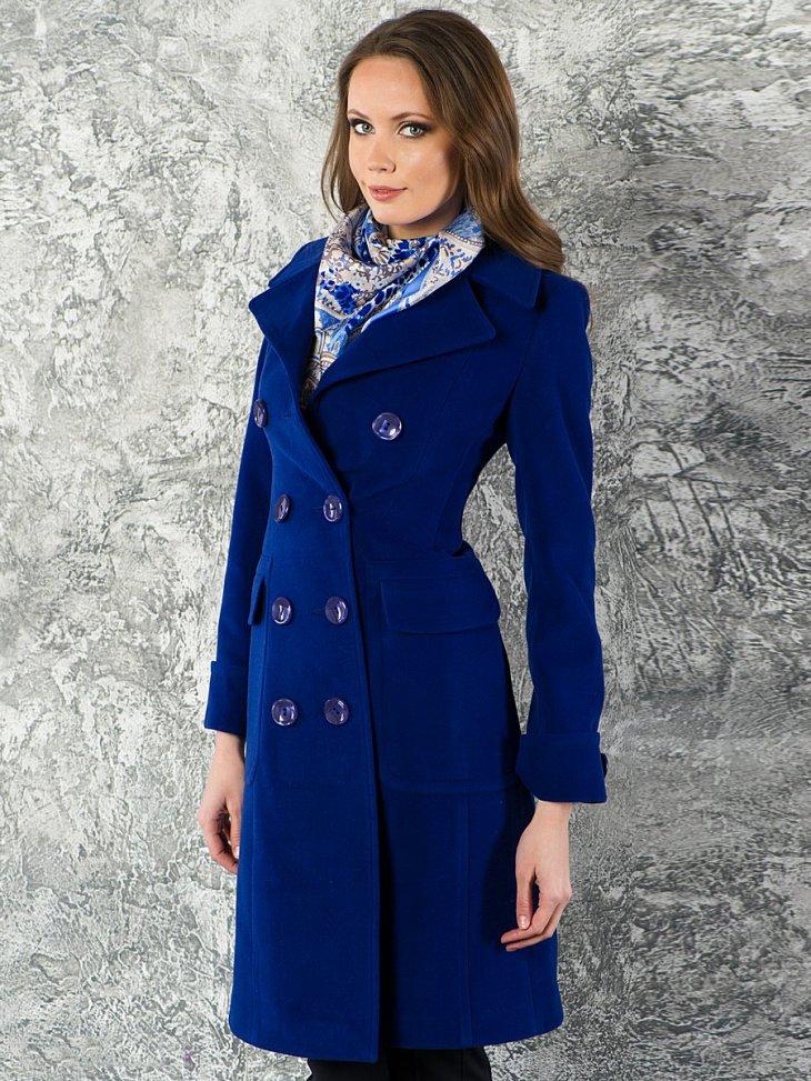 Косынка и легкое пальто