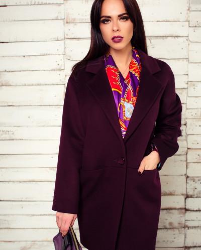 Красивое сочетание платка и пальто