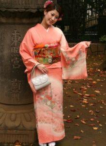 японское платье в персиковом стиле