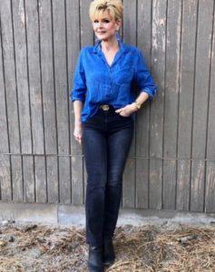 Какие джинсовые вещи можно носить после 50 лет?