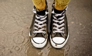 мокрые кеды