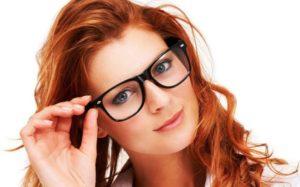 Как отличить стекло от пластика в очках