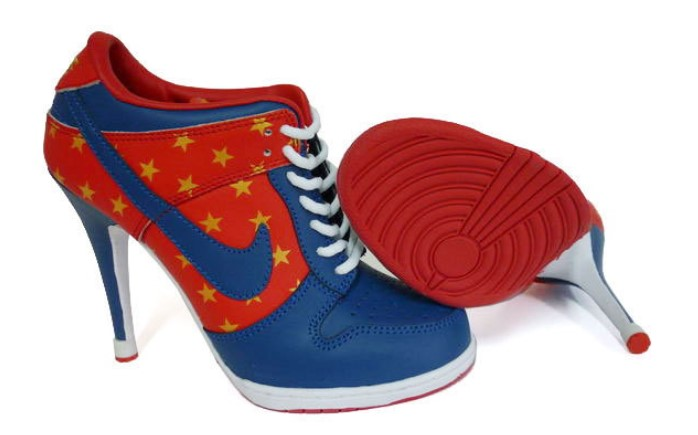 Спортивная обувь на каблуке