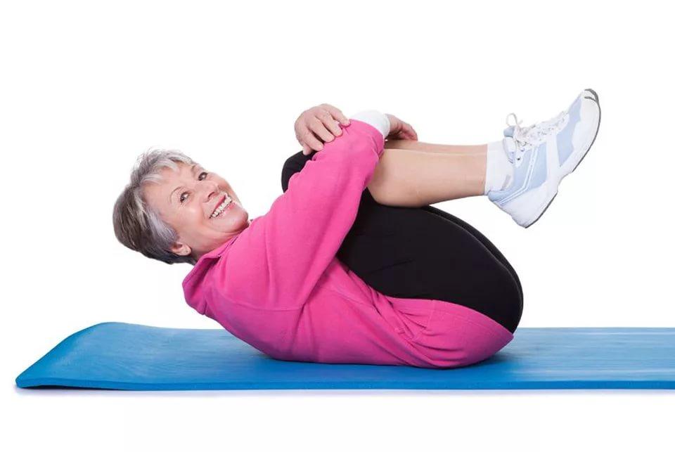 в чем идти в фитнес после 50