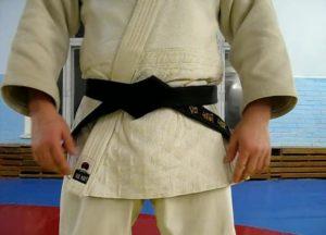 Как завязывать пояс кимоно
