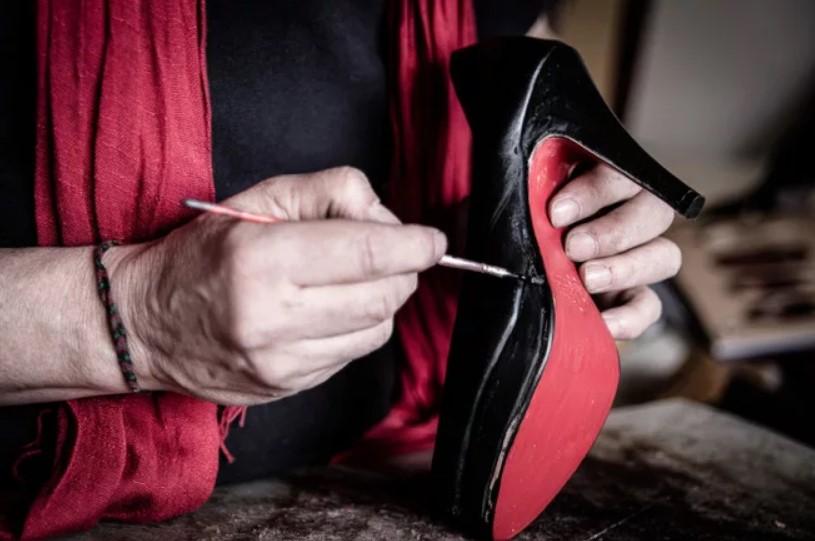 краска туфель