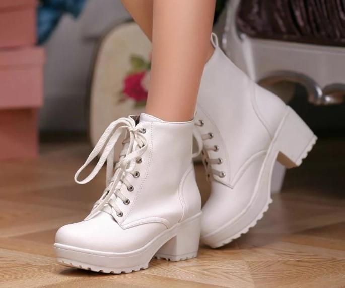 модная обувь белая