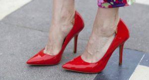 Туфли с очень узким носком