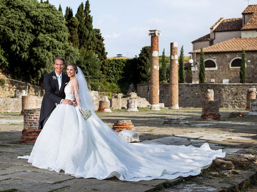 Самые красивые свадебные платья звёзд