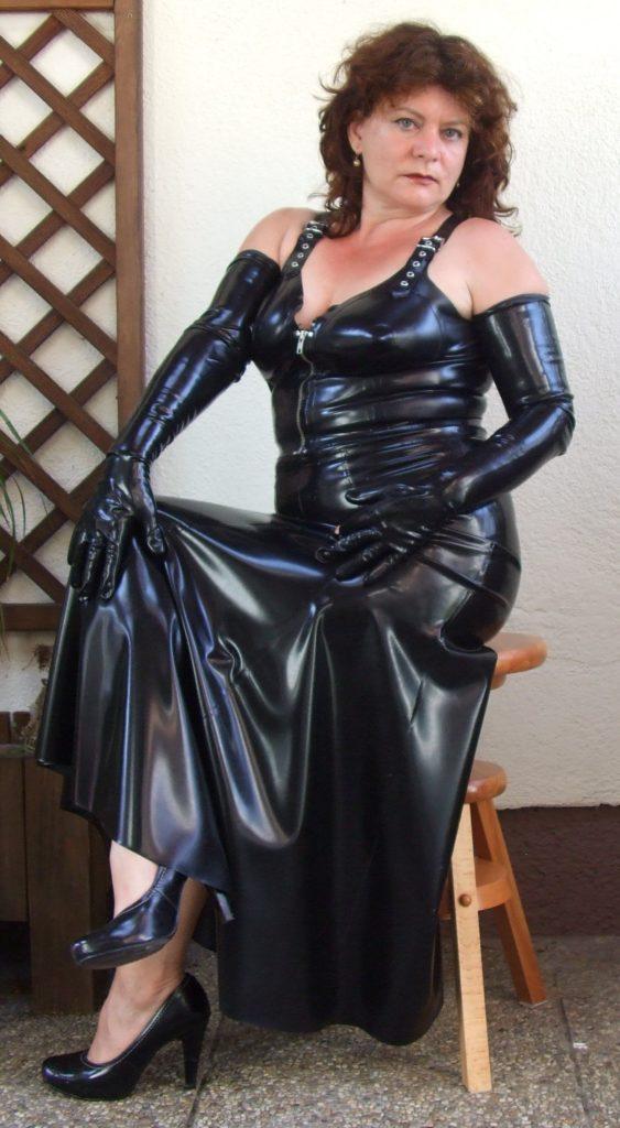 кожаное платье после 50