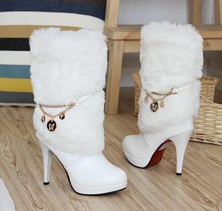 белая сапоги на меху