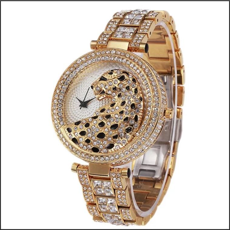часы с ягуаром