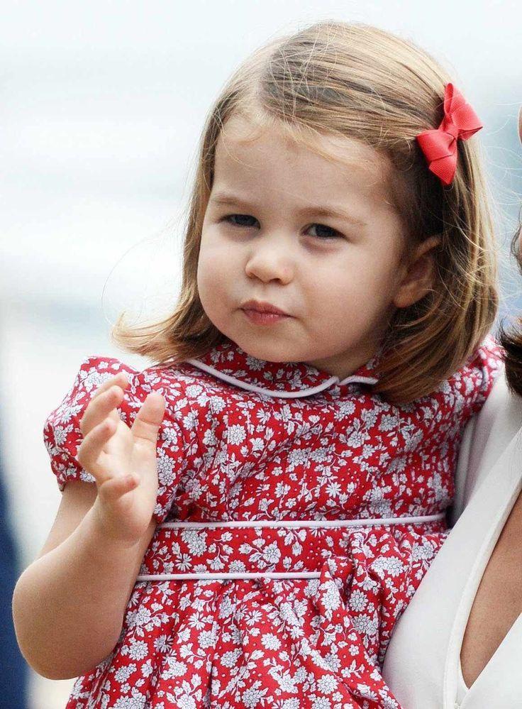 Звезда детской моды: что носит принцесса Шарлотта
