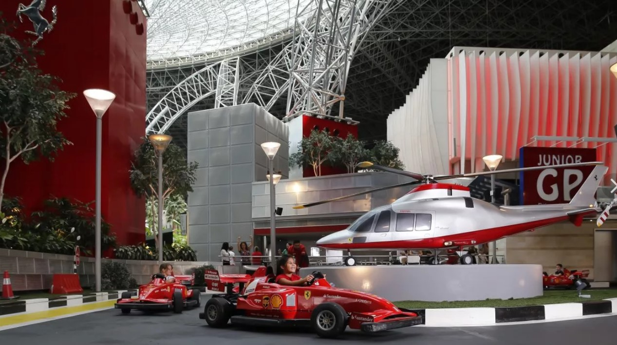 оаэ Ferrari Wold Абу-Даби