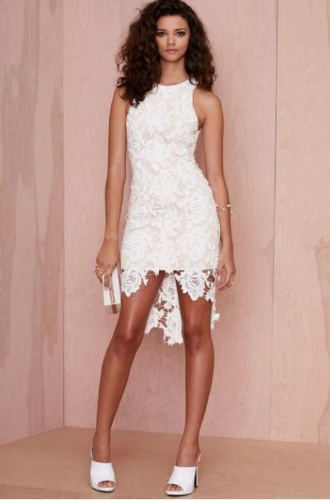 платья белое