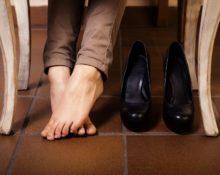 Как выбрать летнюю закрытую обувь, чтоб ноги не потели