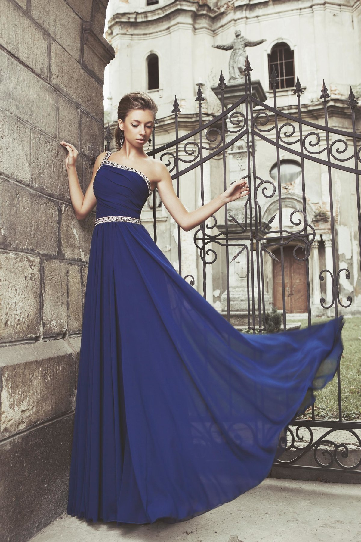 слишком длинное платье