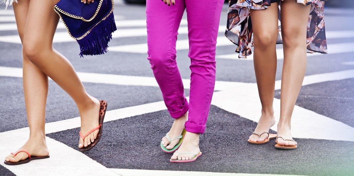 Почему вредно носить сланцы