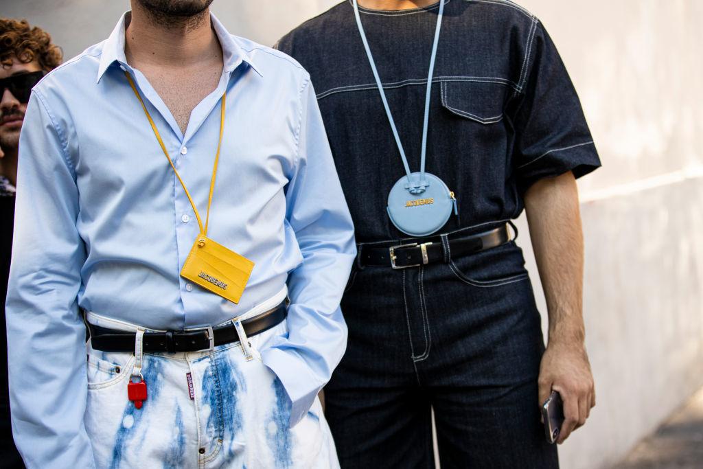 Подарите мужчине кошелёк на шею — это новый тренд